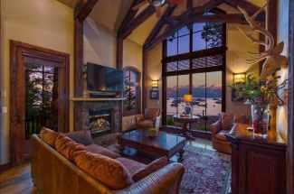 Luxury Villas Lakeside in Homewood