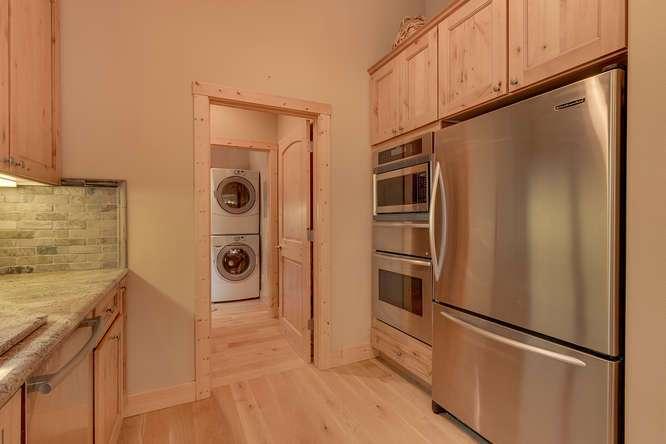 7049-Deer-Ave-Tahoma-CA-96142-small-008-017-Kitchen-666x444-72dpi